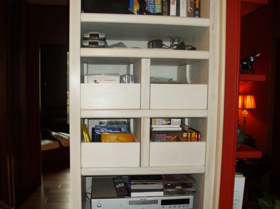 libreria-velata-bianca