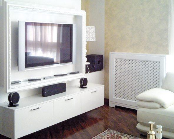 mobile televisore lcd con cornice laccato lucido spazzolato