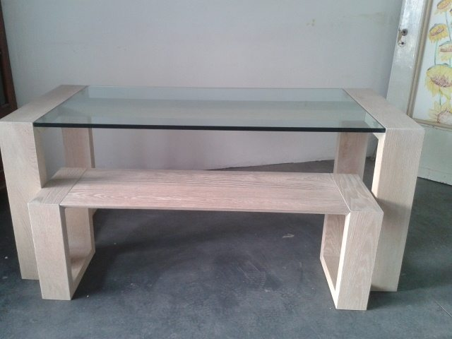 tavoli in legno massello di rovere con panchina e piano in vetro