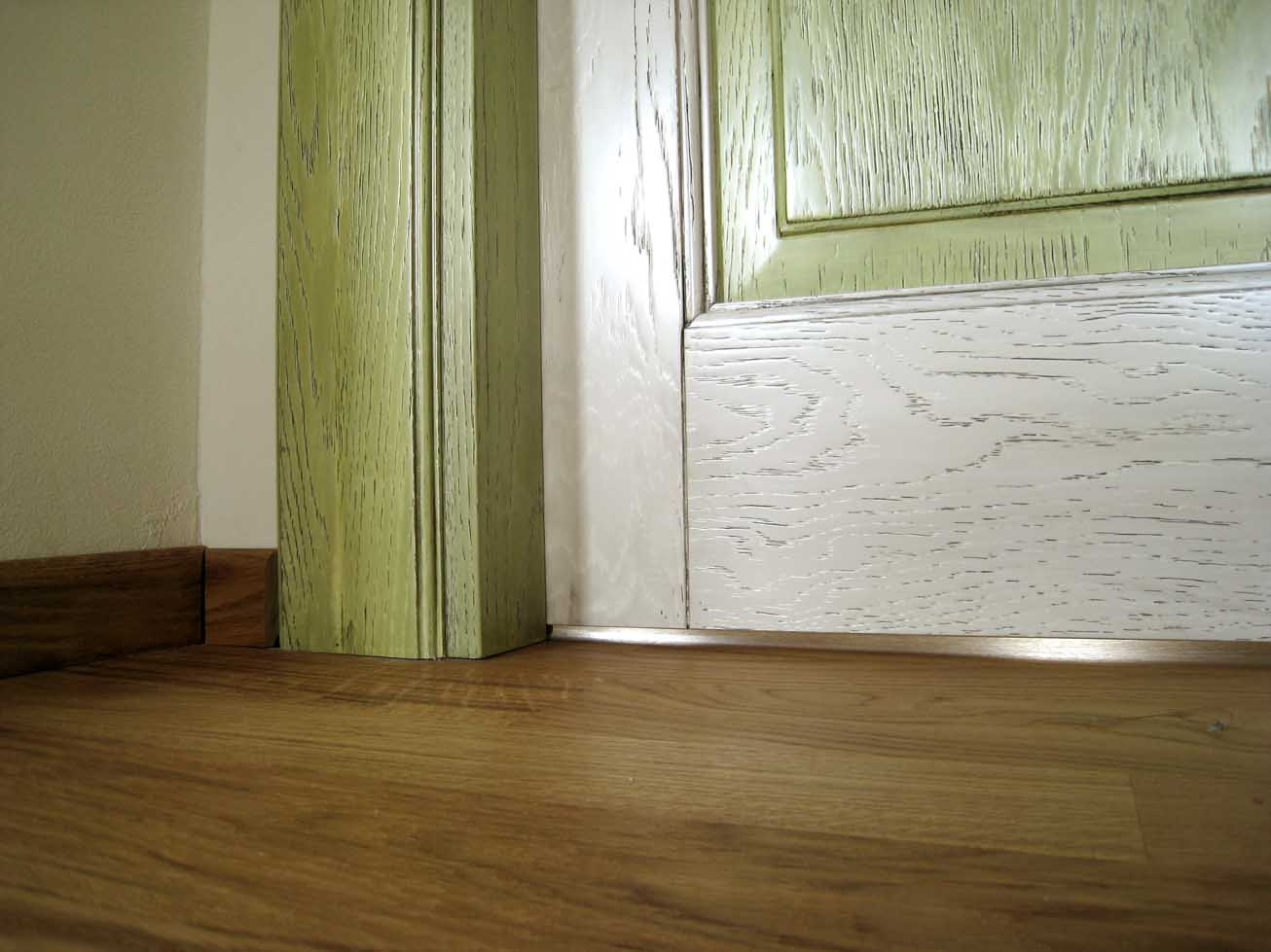 Dipingere Le Porte Di Casa porte interne anticate in legno massello - creo casa milano