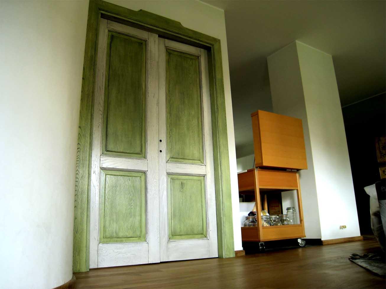 Porte interne anticate in legno massello creo casa milano - Porte per la casa ...