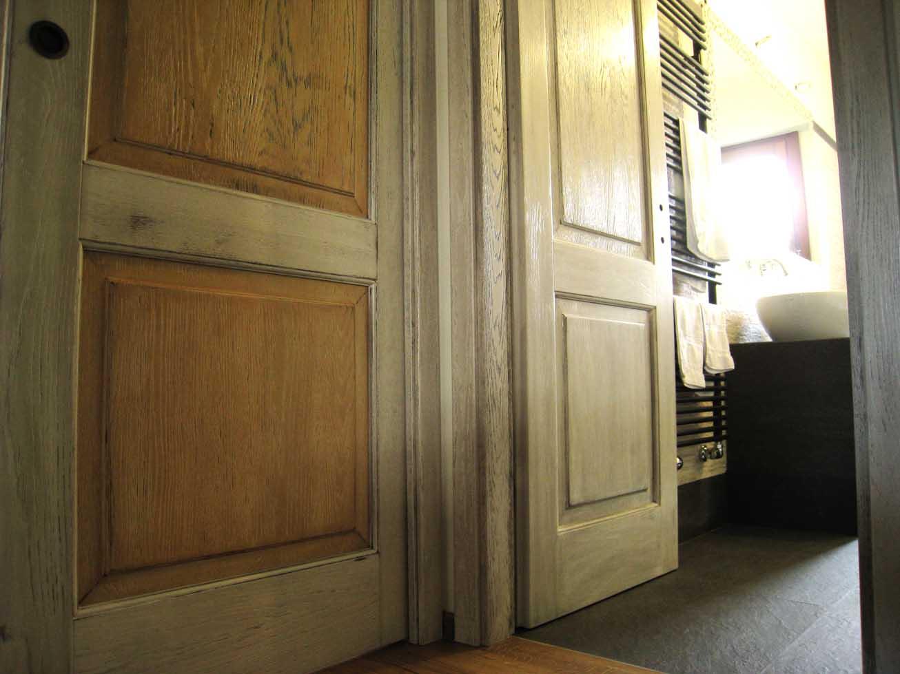 Verniciare Porte Interne Bianche porte interne anticate in legno massello - creo casa milano