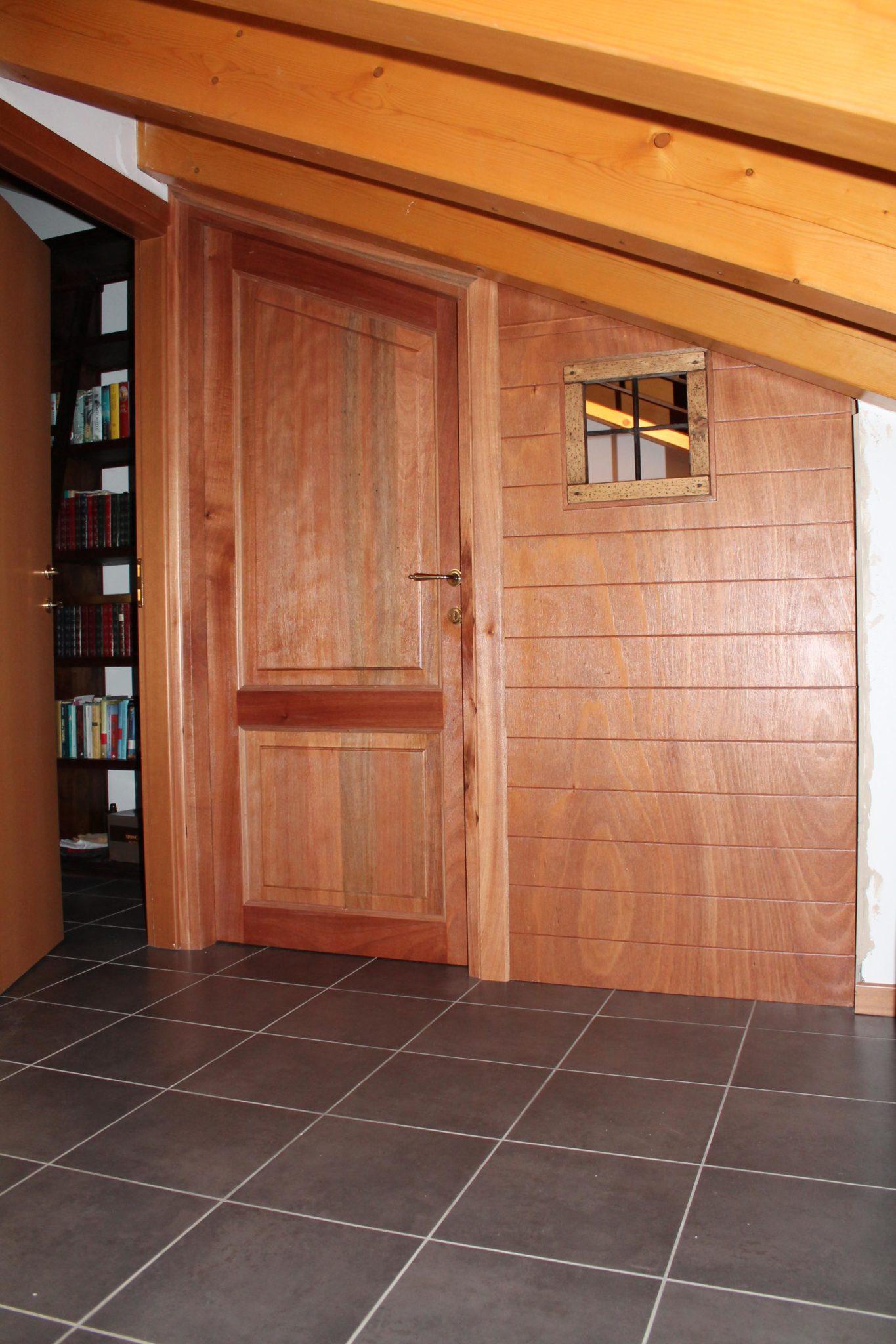 parete in multistrato marino con porta