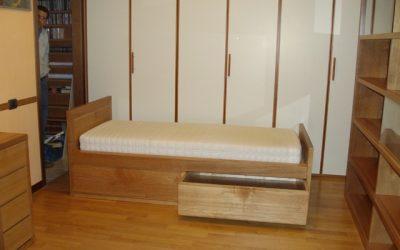 Letto con cassetti per aumentare lo spazio in camera